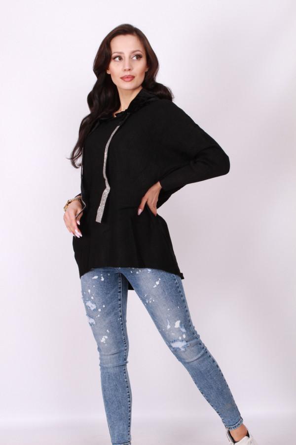 Sweter z welurowym kapturem 2