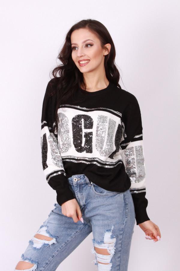 Sweter z cekinowym napisem