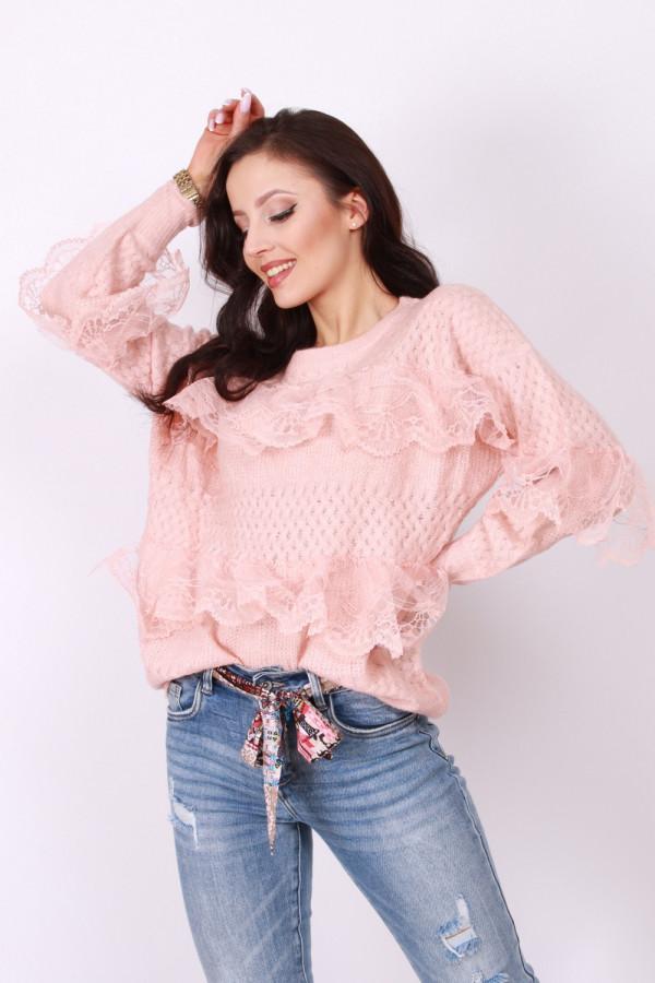 Sweterek z koronką