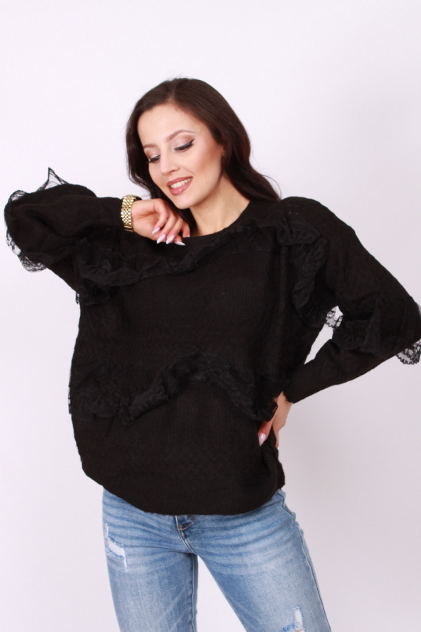 Sweterek z koronką 2