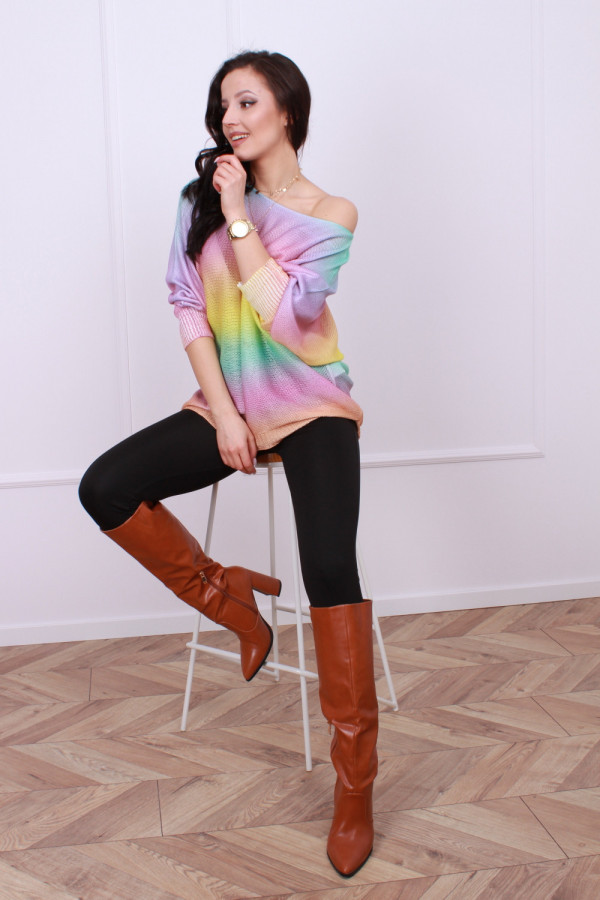 Sweterek tęczowy 3