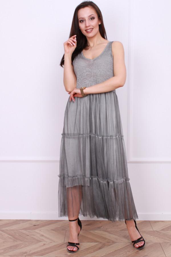 Długa sukienka z tiulem