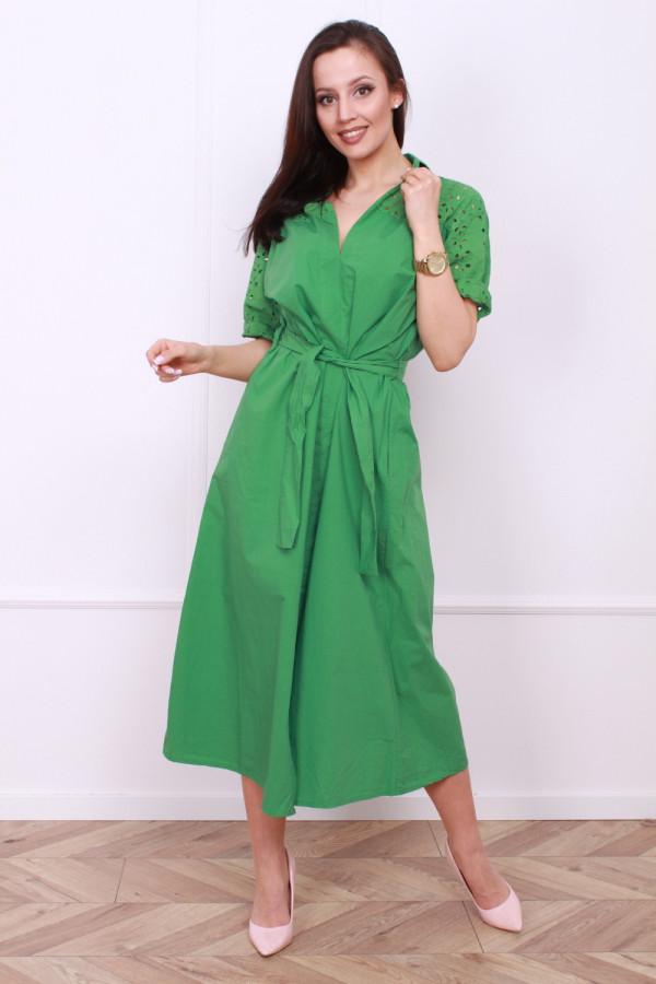 Długa sukienka z paskiem