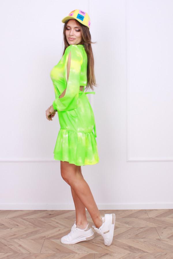 Sukienka z rozcięciem na plecach 1