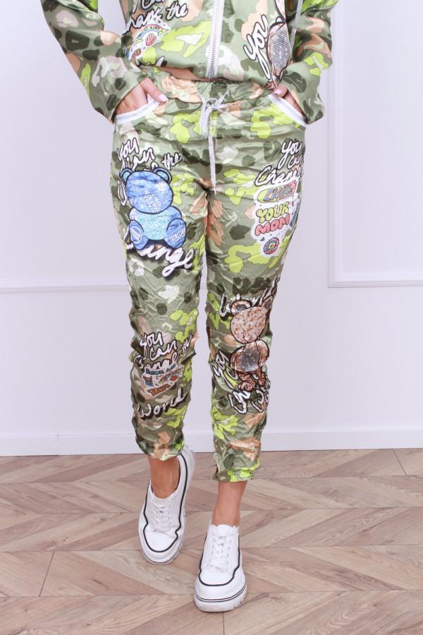 Spodnie w komiksowe wzory 3
