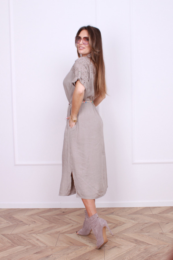 Sukienka z haftowaną górą 1