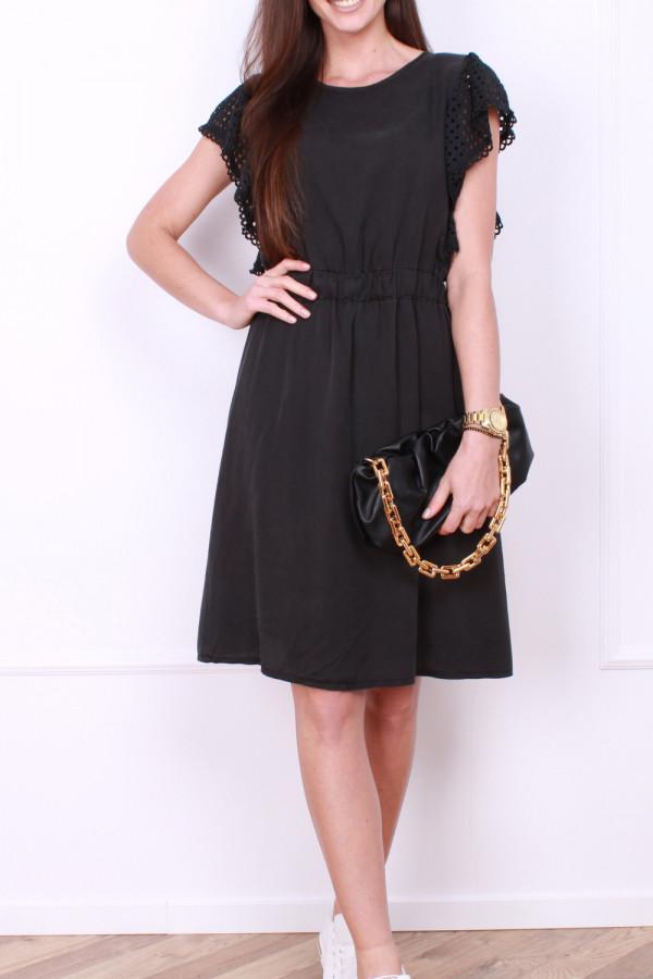 Sukienka z haftowanymi rękawami 6