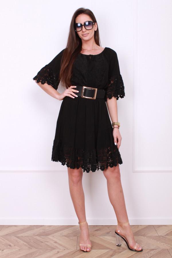 Sukienka z koronkami 6