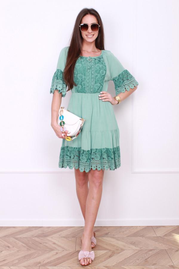 Sukienka z koronkami 9