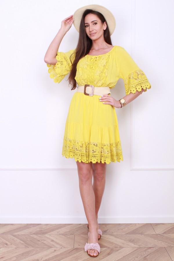 Sukienka z koronkami 7