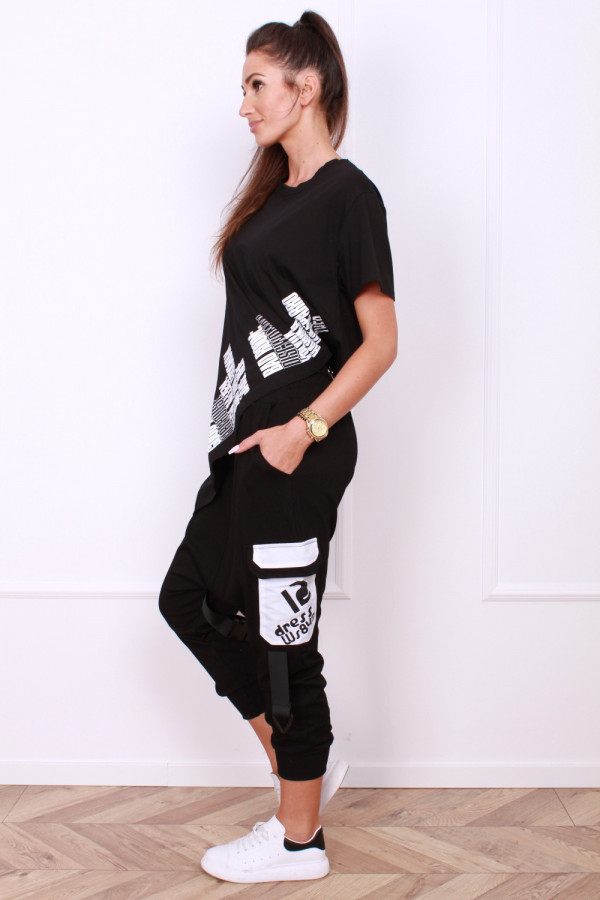 Spodnie z klamrami 1