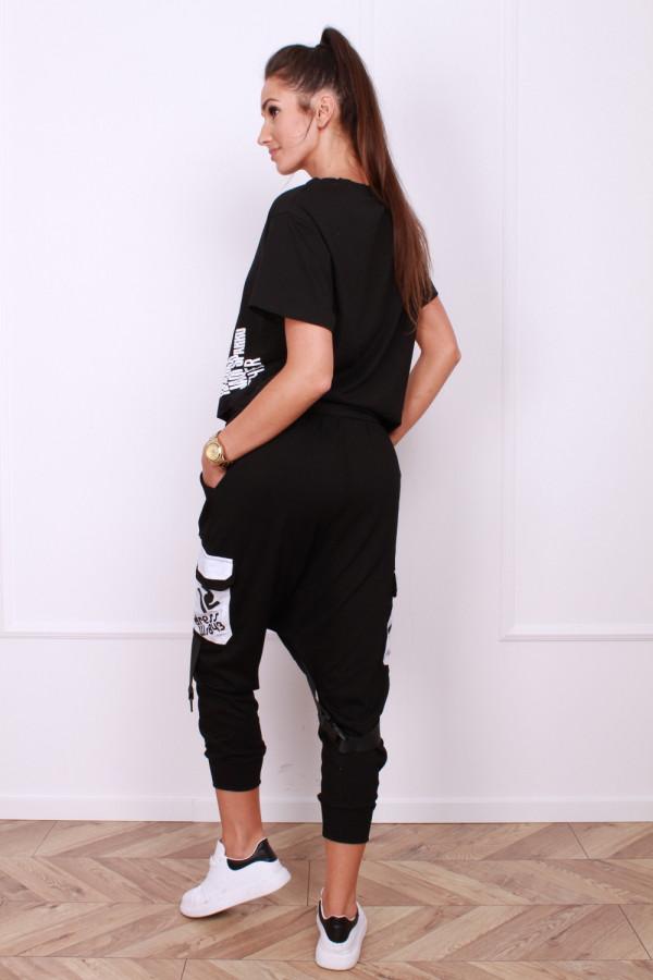 Spodnie z klamrami 2