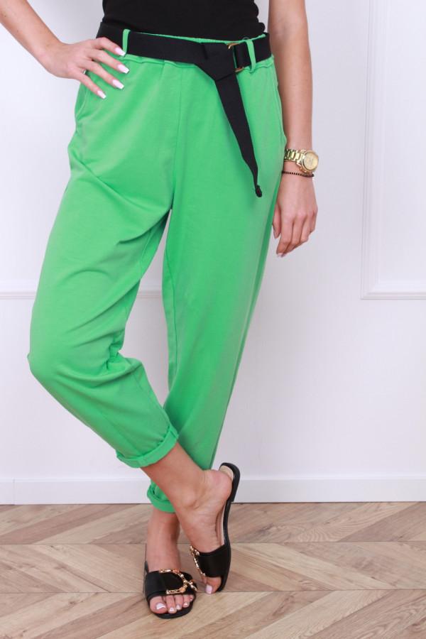 Spodnie dresowe z paskiem 9