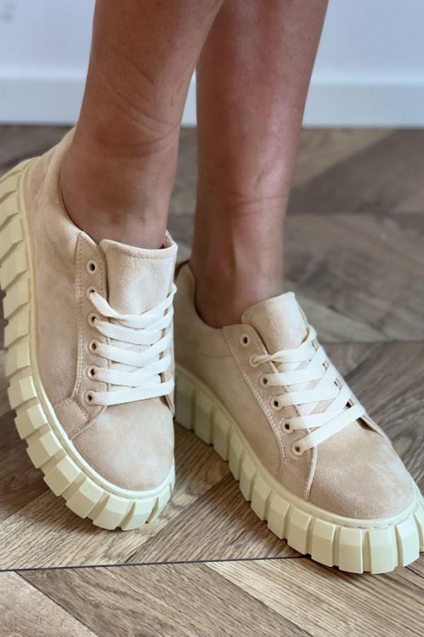 Buty zamszowe 2