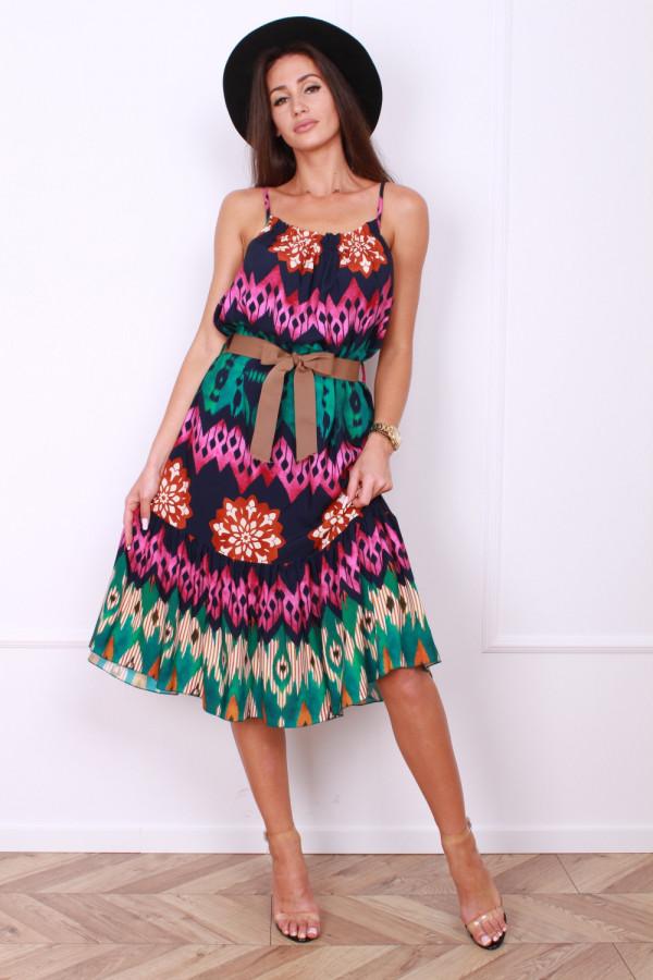 Sukienka z paskiem