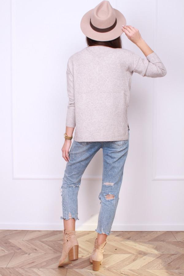 Sweter z kotami 2