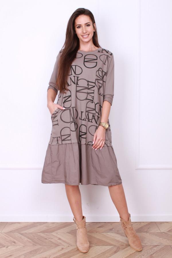 Sukienka w napisy