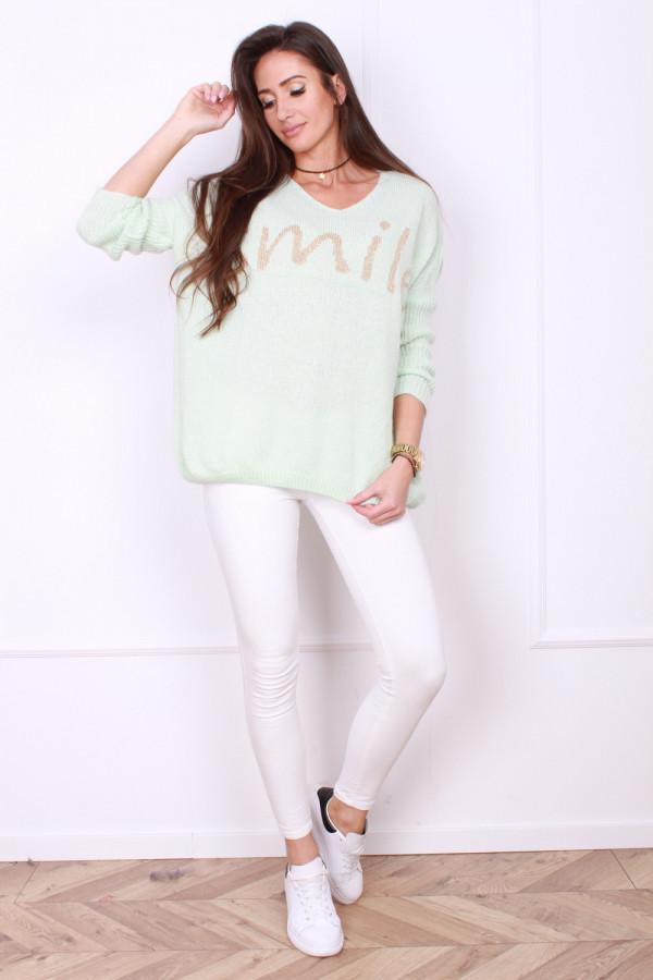 Sweter z napisem
