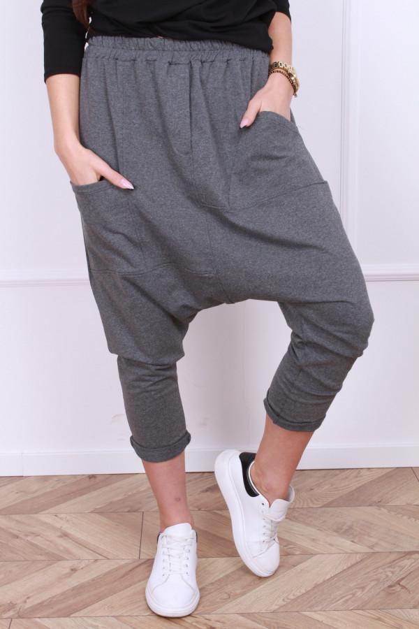 Spodnie z szerokim krokiem 3