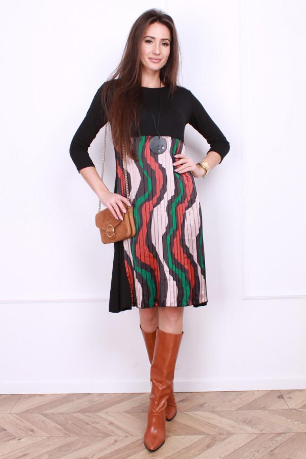 Sukienka plisowana z przodu