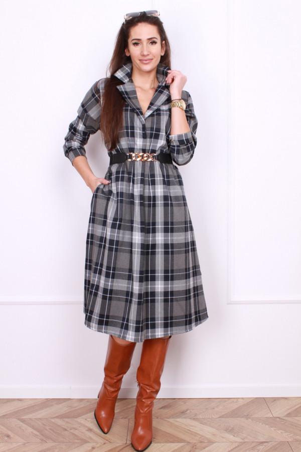 Sukienka w szkocką kratę 4