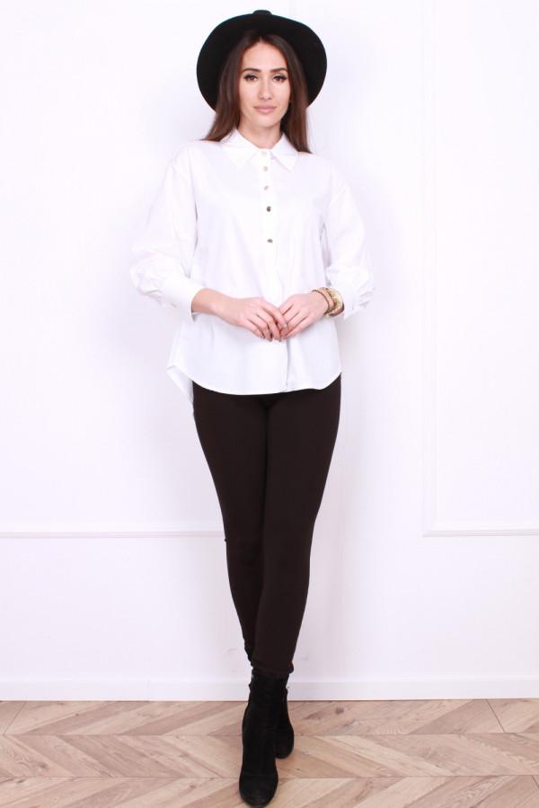 Koszula z eleganckimi guzikami